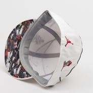 Jordan Air Jordan J's On A Wire Fitted Hat IC bílá