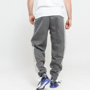 85f25558ff3 Tepláky Jordan AJ 3 Fleece Pant IC – Queens 💚