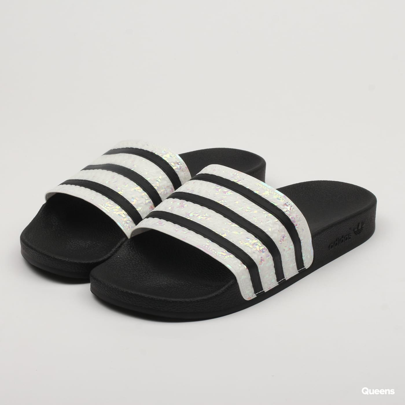 best service 9c10c c1af0 adidas Originals Adilette W (CG6256)– Queens 💚