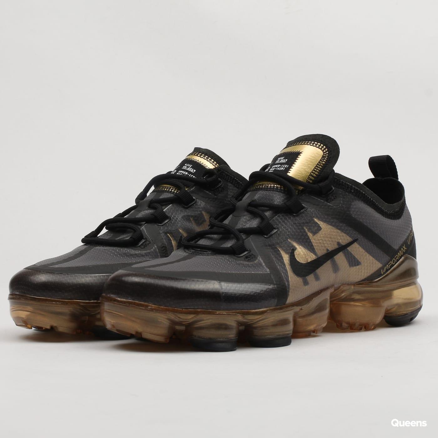 fccb5042637 Zlaté dámské tenisky (sneakers) – Queens 💚
