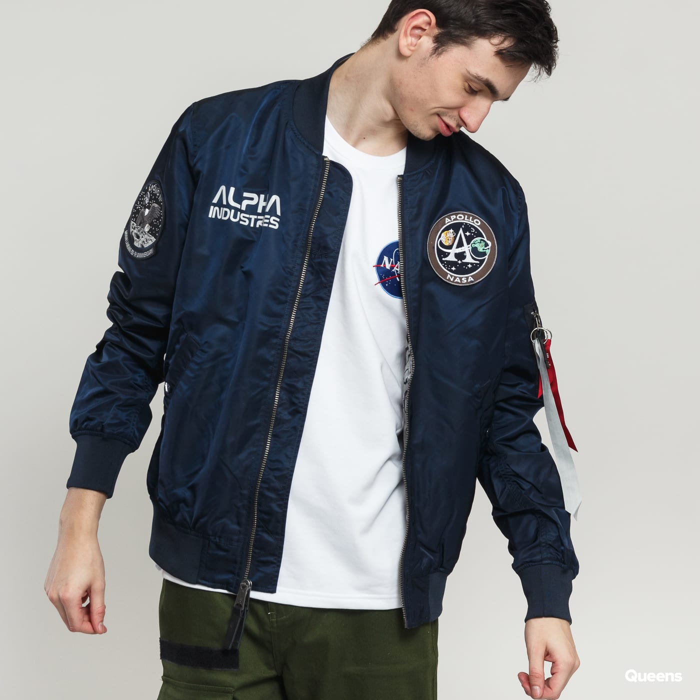 Bomber Jacket Alpha Industries MA-1 Moon Landing Rev (196125 07)– Queens 💚 e2c7ba52c8