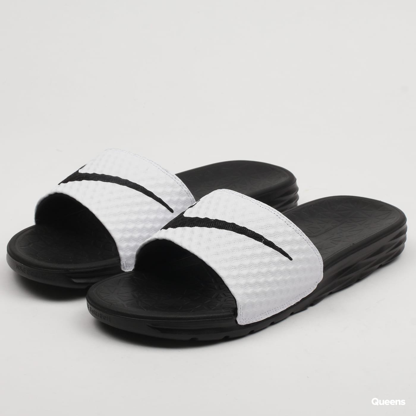 bbda691d08c4 Nike Benassi Solarsoft (705474-100)– Queens 💚