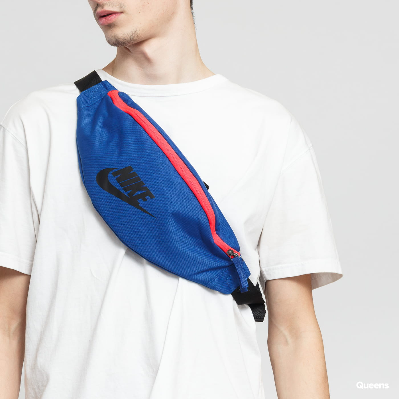 3206abc191f9 Fanny Pack Nike Heritage Hip Pack (BA5750-438)– Queens 💚