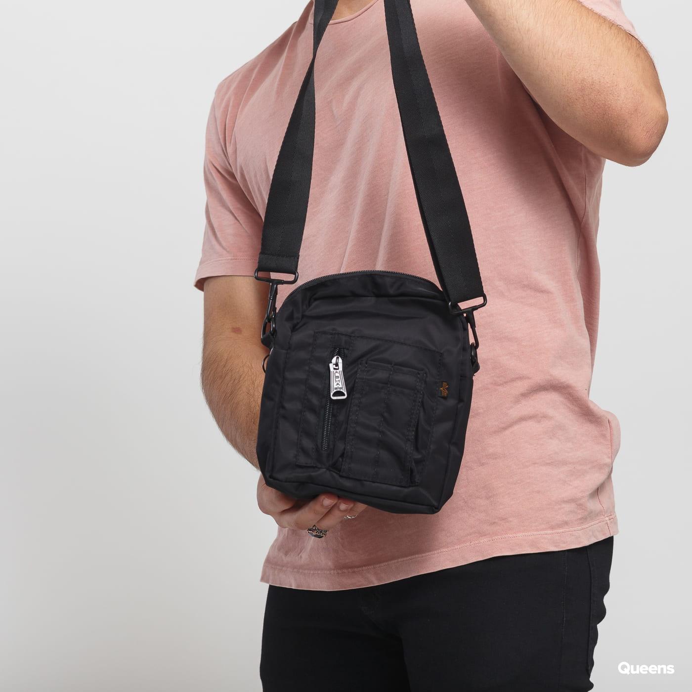 Alpha Industries Crew Carry Bag schwarz