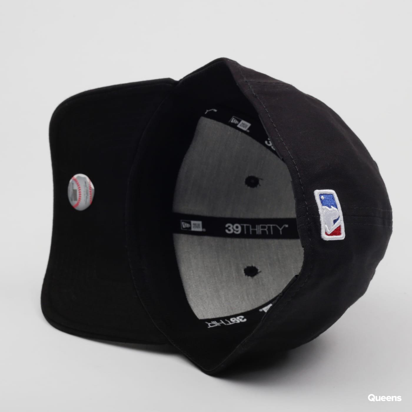 New Era 3930 MLB League Essential D čierna / vínová