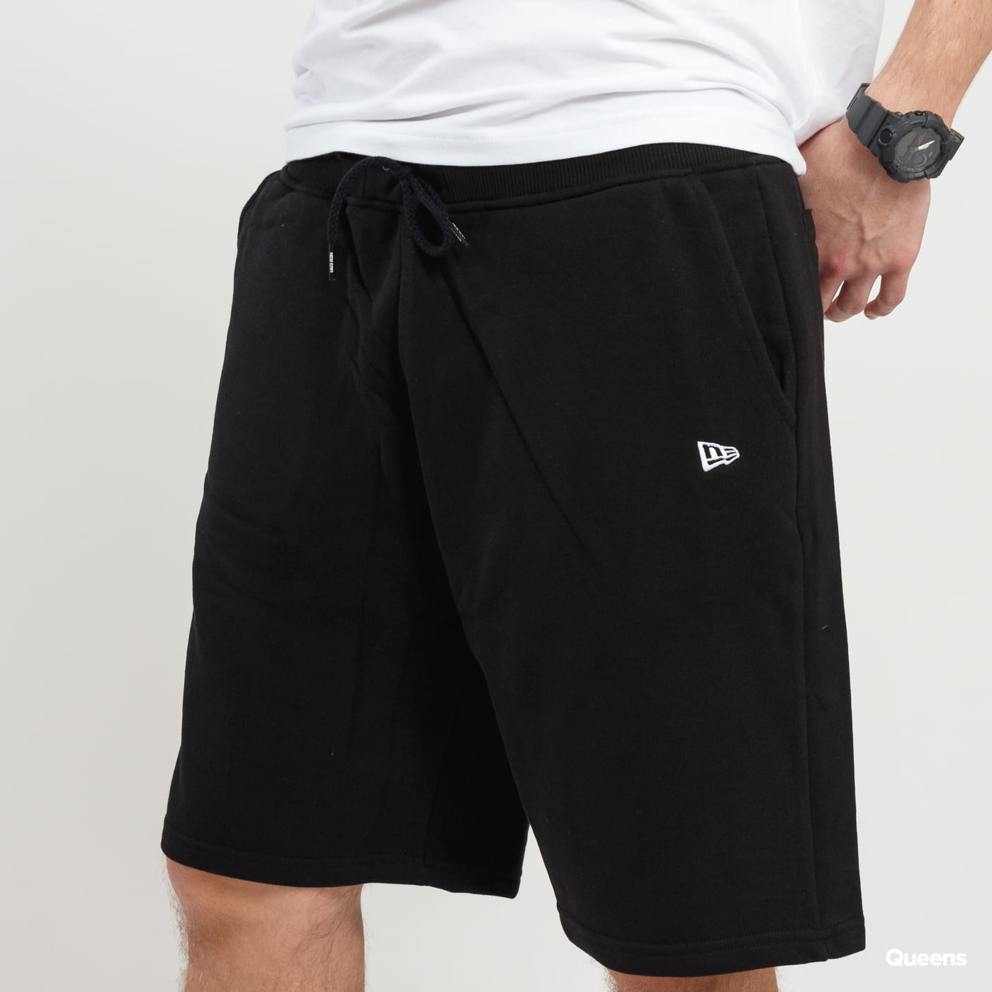 New Era NE Essential Short čierne