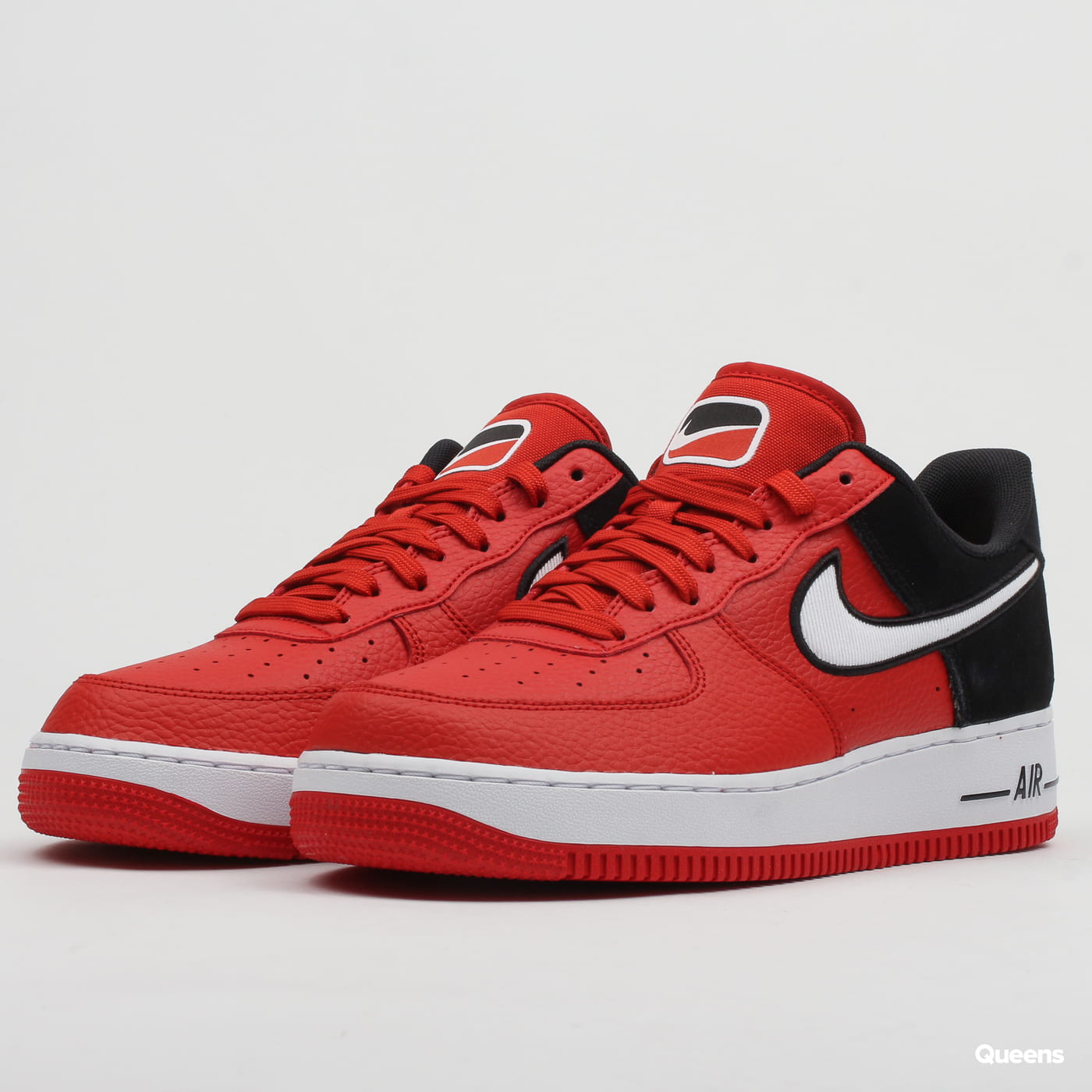 new style 8bd53 37c3b Sneakers Nike Air Force 1 '07 LV8 1 mystic red / white - black (AO2439-600)  – Queens 💚