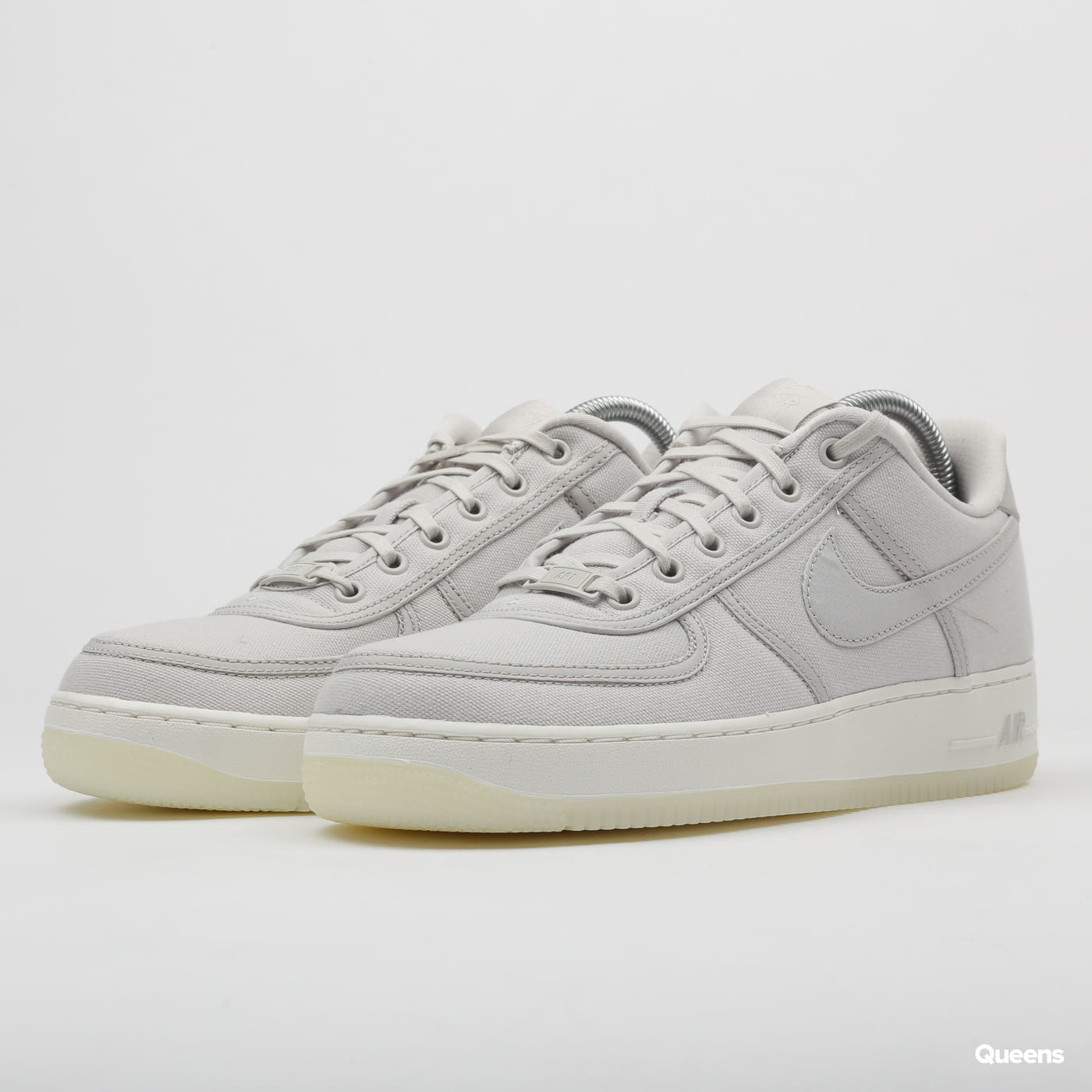 ca2ac6365 Sneakers Nike Air Force 1 Low Retro QS Canvas light bone / light bone -  sail (AH1067-003) – Queens 💚