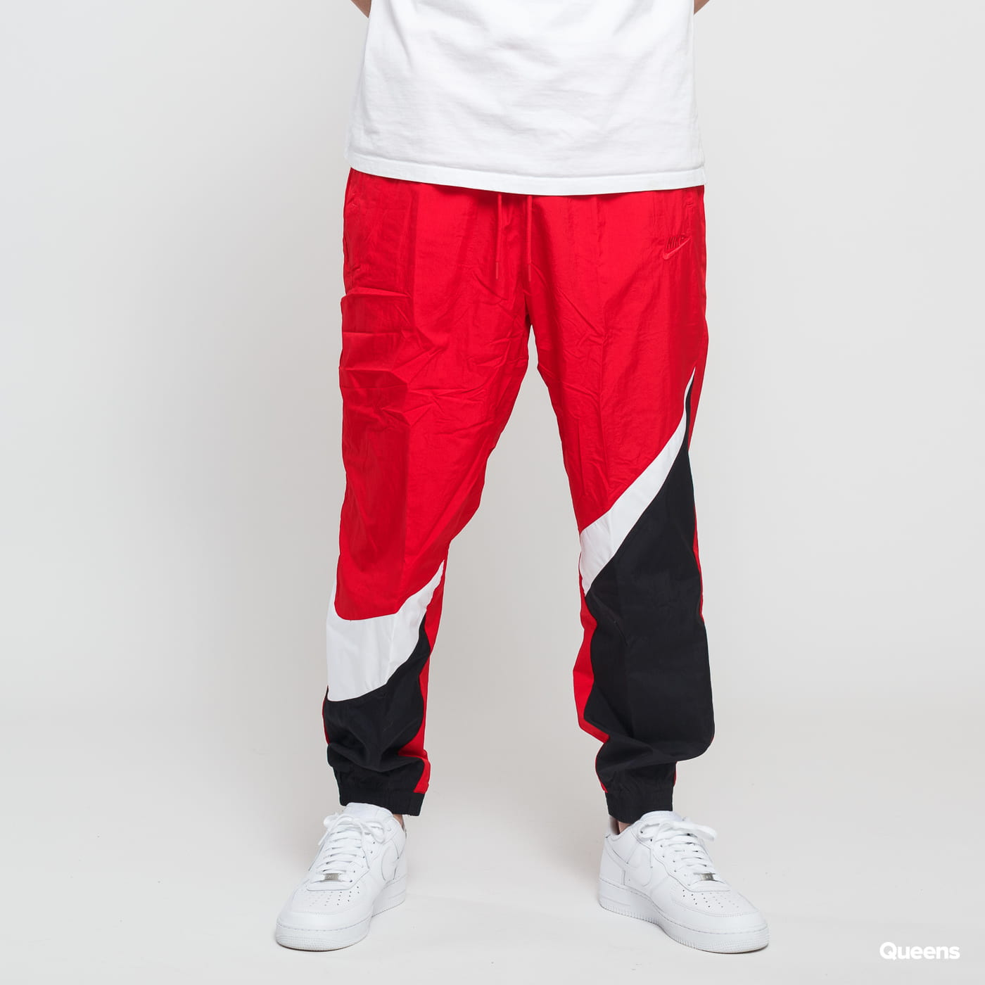 Listo Sin alterar oyente  Track Pants Nike M NSW HBR Pant Woven Statement red / black / white  (AR9894-657) – Queens 💚