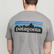 Patagonia M's P6 Logo Organic Tee grau