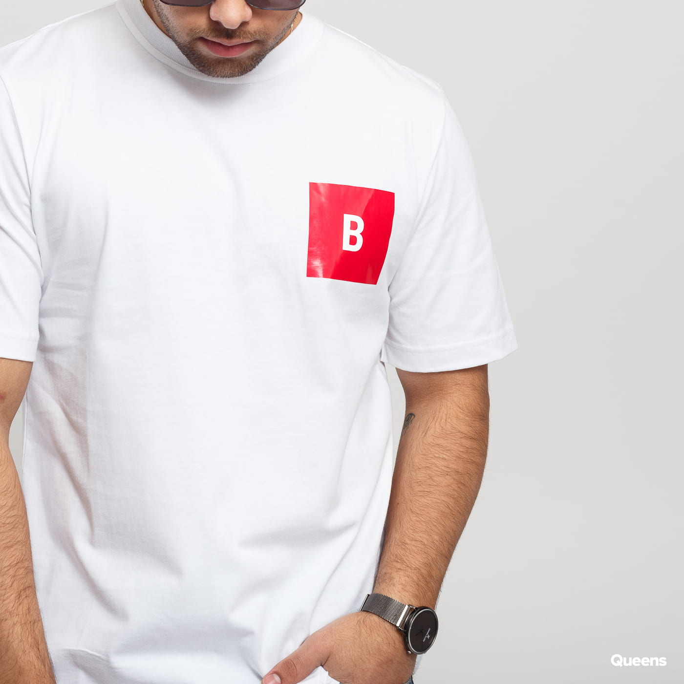 BAND OF OUTSIDERS B Logo Printed SS T-shirt white / red