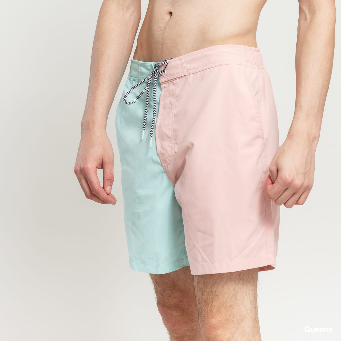 BAND OF OUTSIDERS Water Reactive Swimshorts light green / light pink