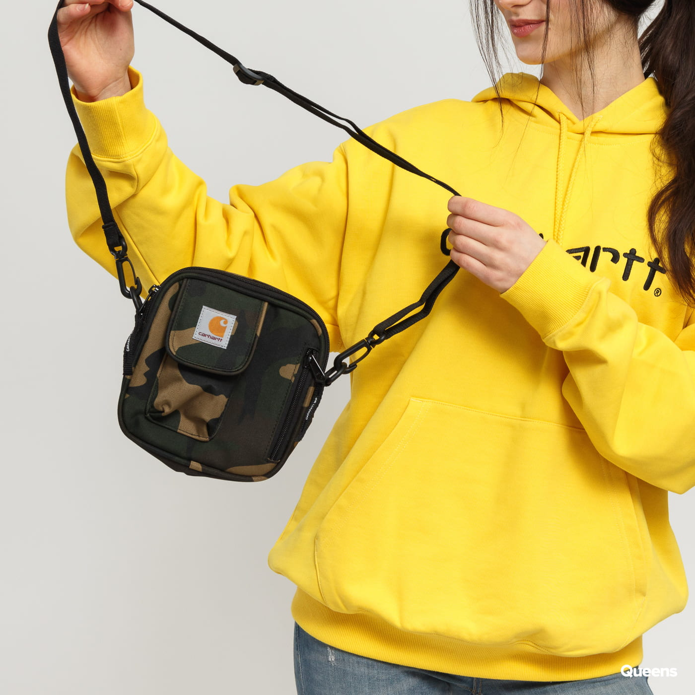 79da1337b332 Crossbody taška Carhartt WIP Essentials Bag (I006285.640.00.06) – Queens 💚