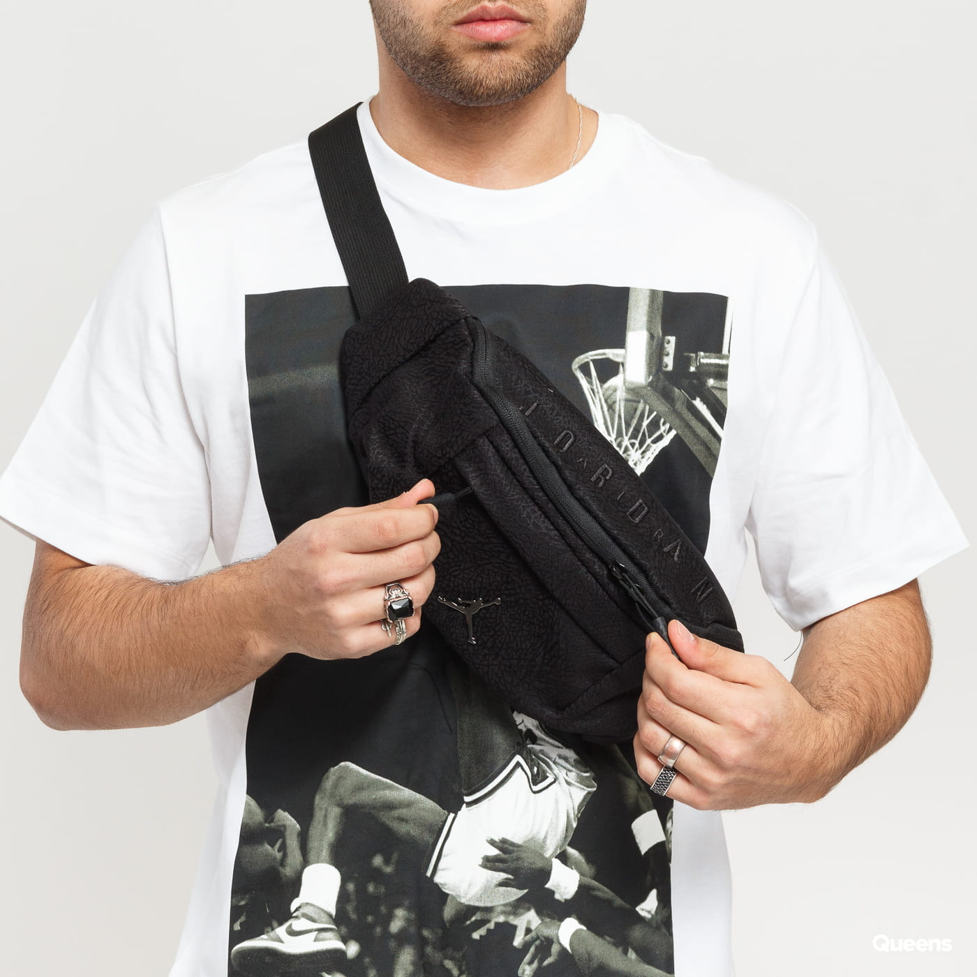 Jordan Ele Jacquard Crossbody Bag schwarz