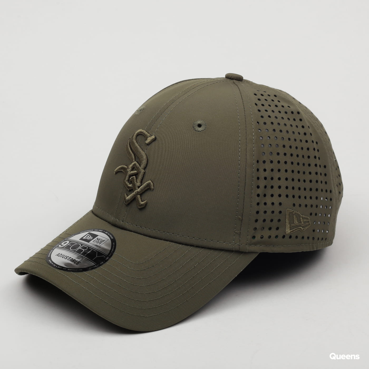 New Era 940 MLB Feather Perf Sox olive