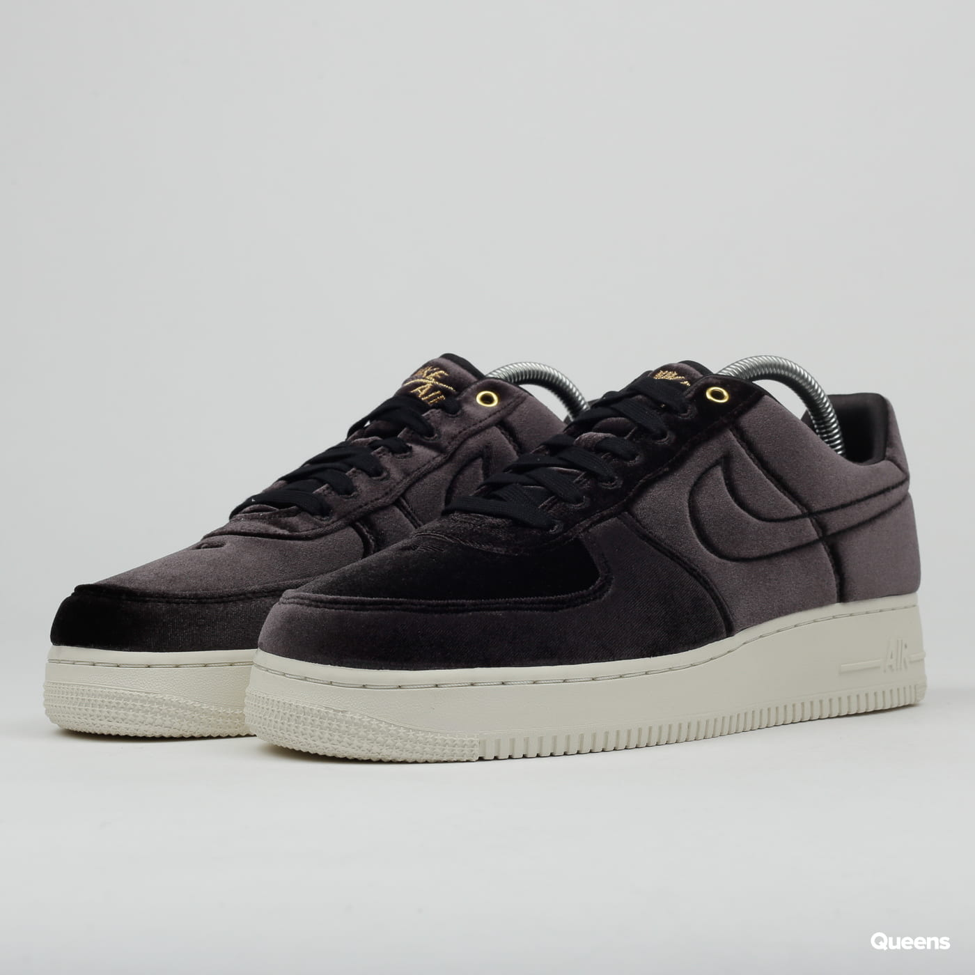 Nike Air Force 1 '07 Premium 3 black / black - sail - metallic gold