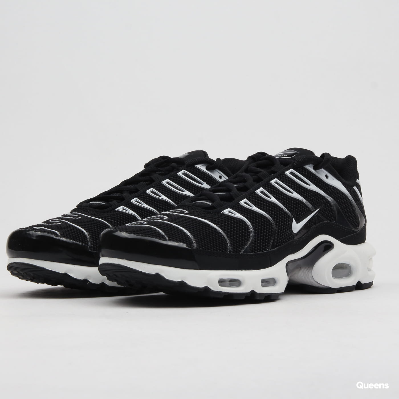 e65a04f7d3 Sneakers Nike Air Max Plus black / white - black (852630-038) – Queens 💚