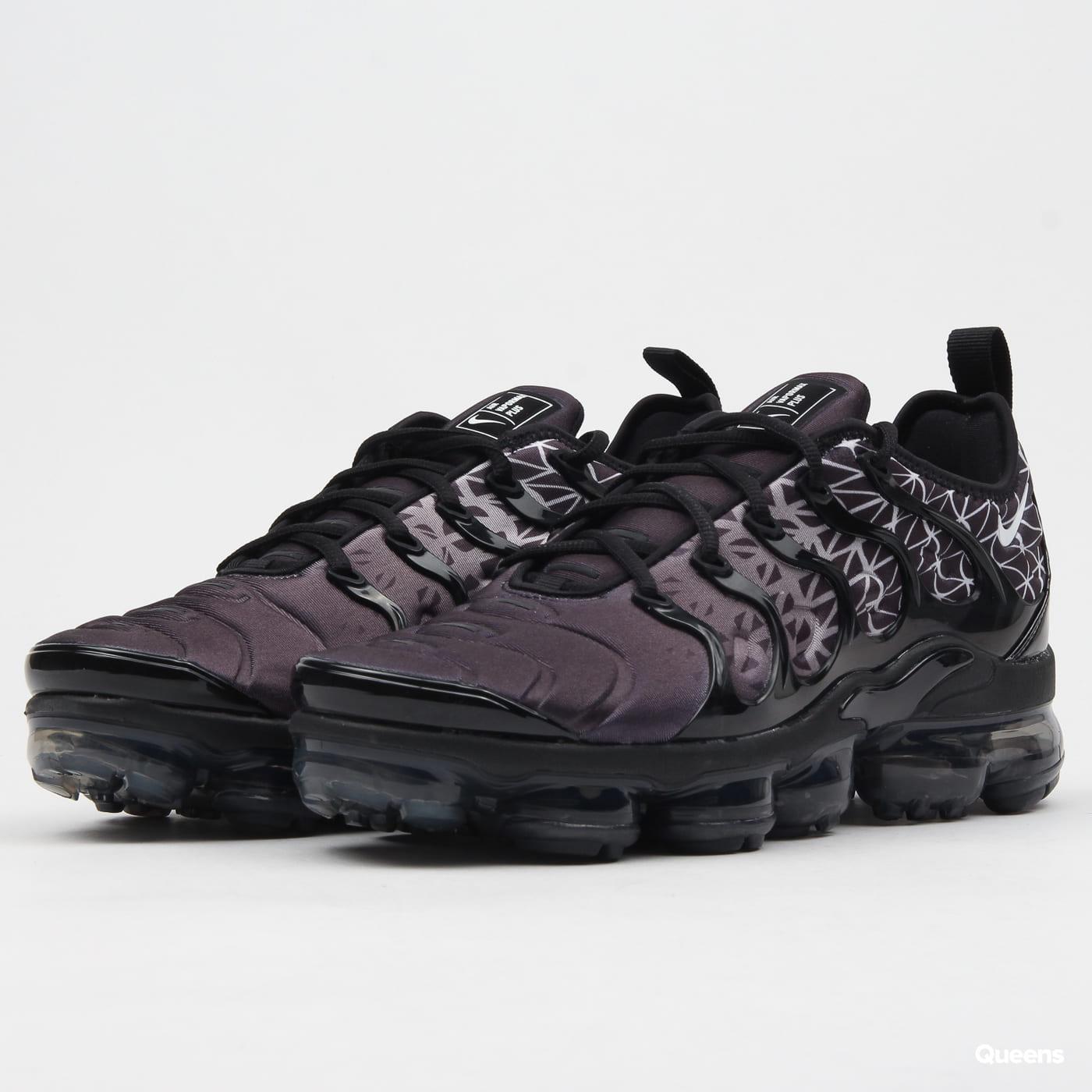 f5445ead64308 Sneakers Nike Air Vapormax Plus (924453-017)– Queens 💚