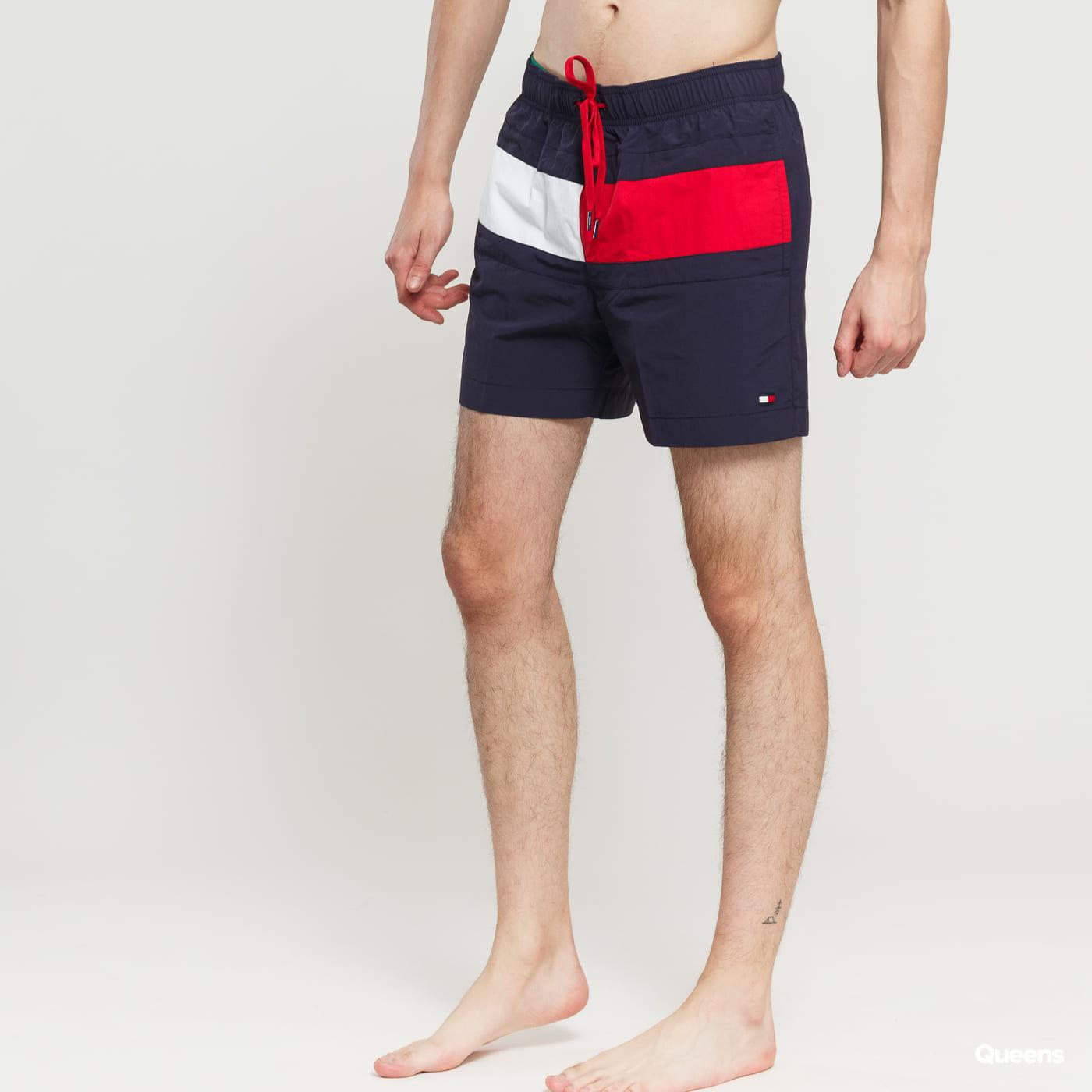 f3caa32576 Pánské koupací šortky Tommy Hilfiger Medium Drawstring (UM0UM01070 416) –  Queens 💚