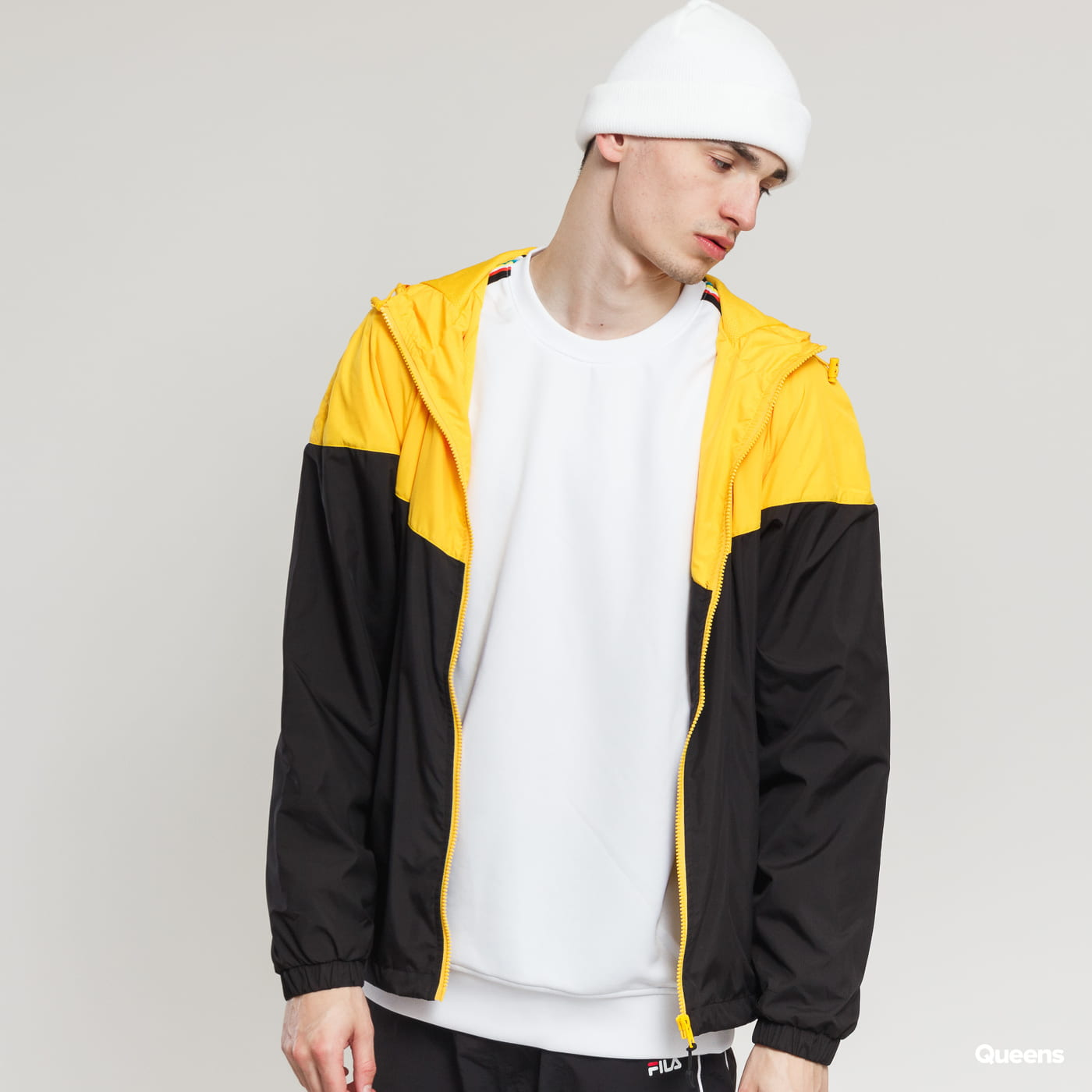 Urban Classics 2-Tone Tech Windrunner black / yellow