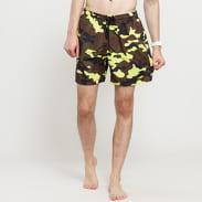 Urban Classics Camo Swim Shorts camo zelená / žlutozelená