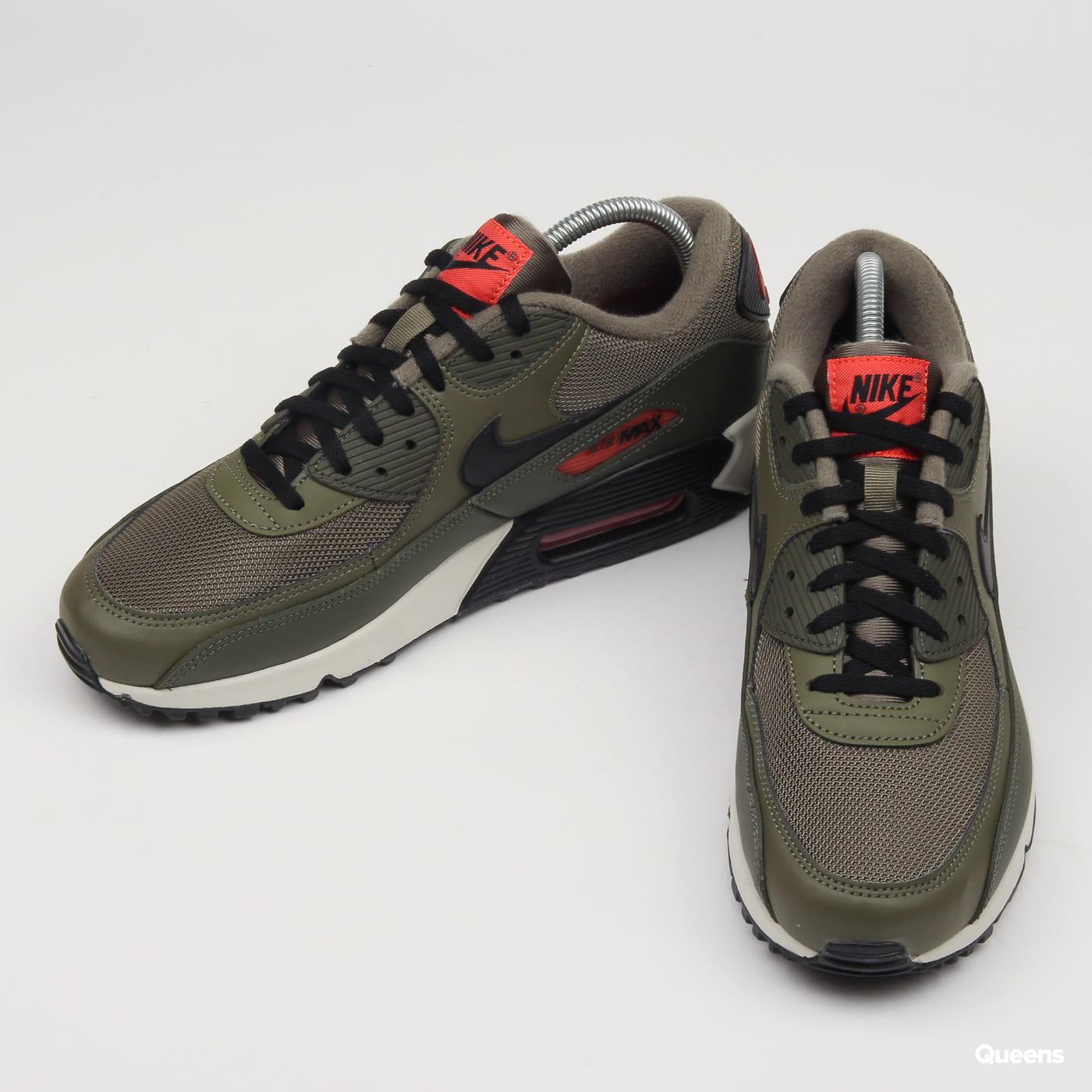 premium selection 3523d c6567 Zoom in Zoom in Zoom in Zoom in Zoom in. Nike Air Max 90 Essential ...