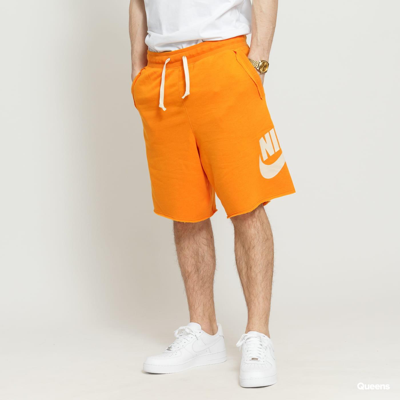 ac3df6726e161 Sweat Shorts Nike M NSW HE Short FT Alumni orange (AR2375-833) – Queens 💚