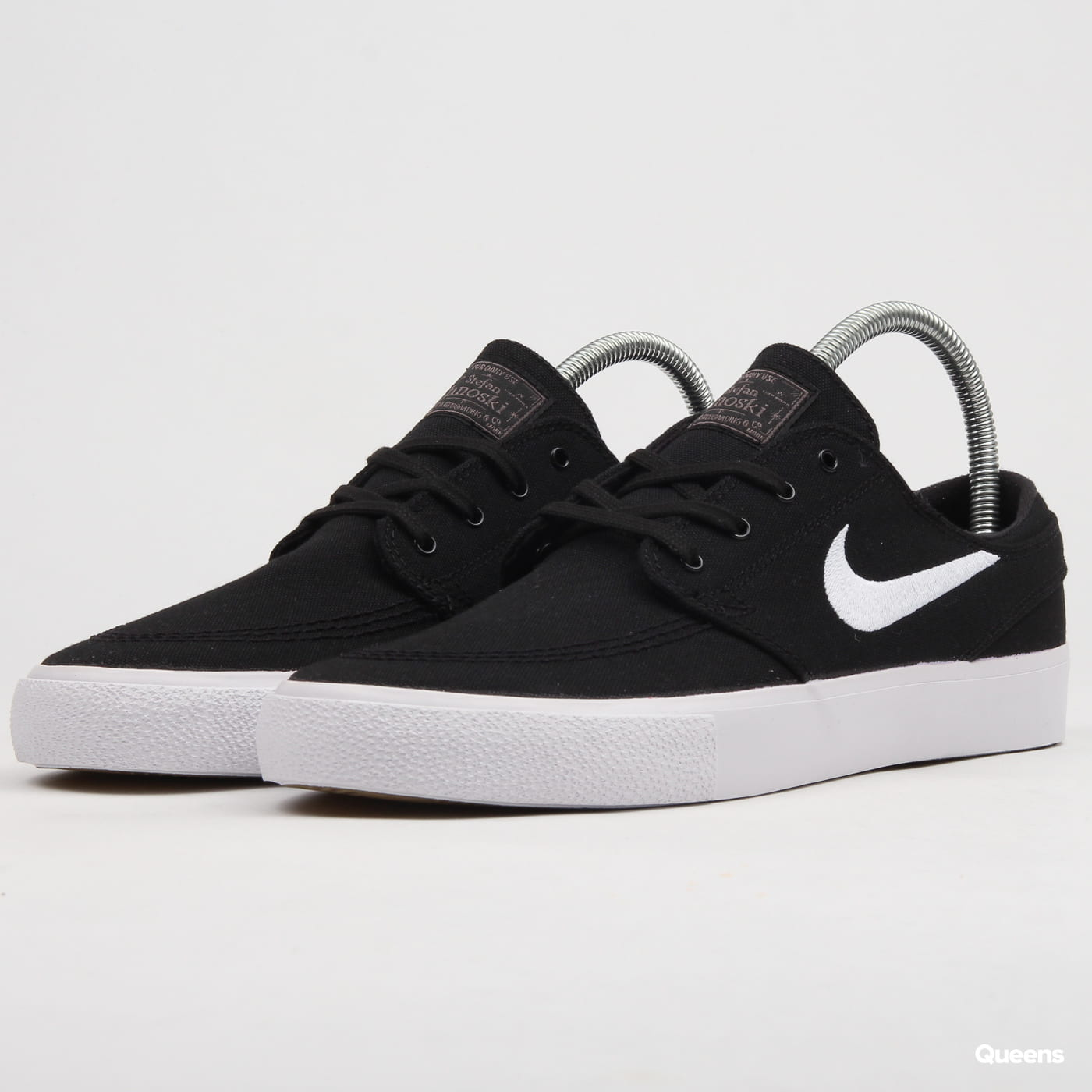 959307b9c73bc Sneakers Nike SB Zoom Janoski Canvas RM (AR7718-001)– Queens 💚