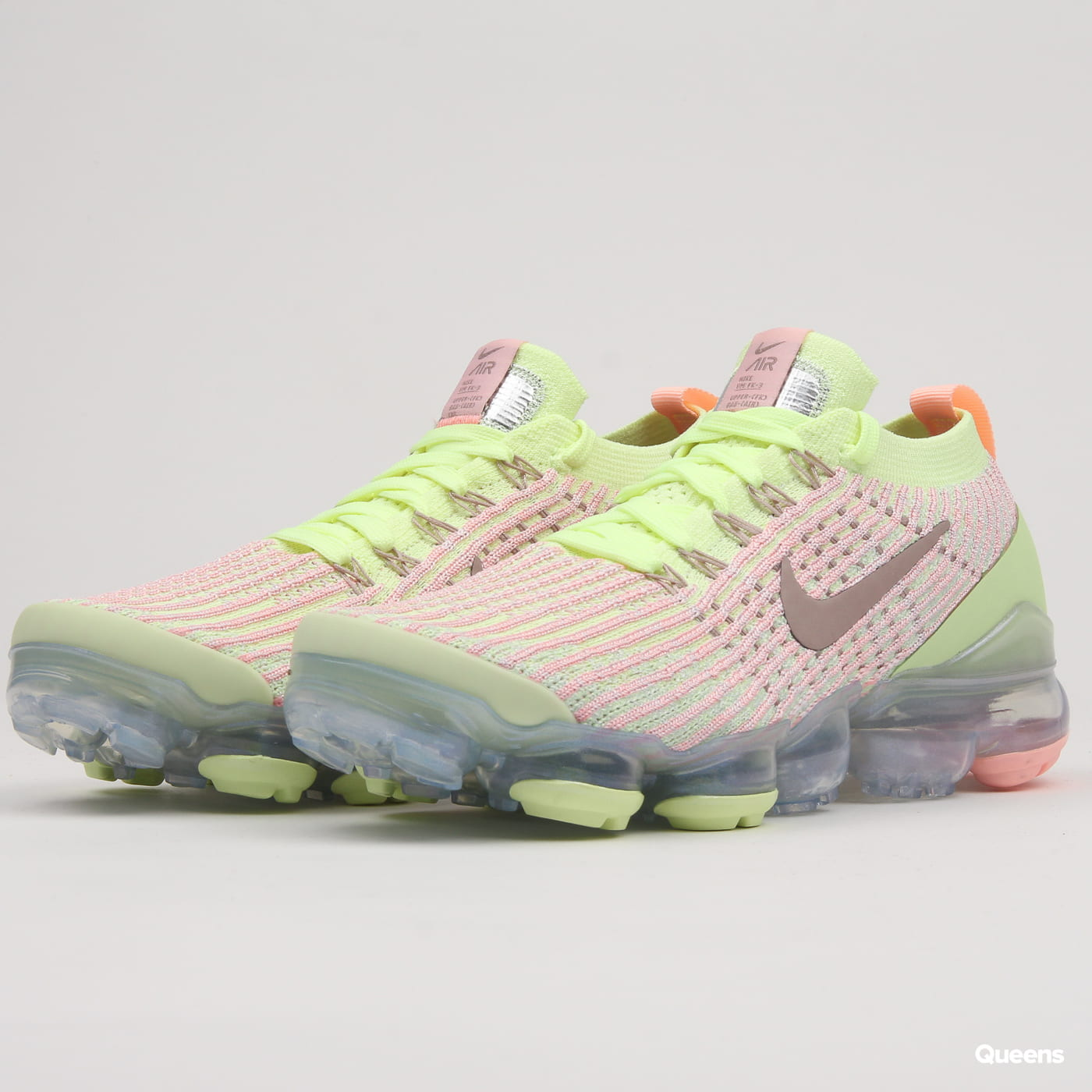 40271cacf6e Nike W Air Vapormax Flyknit 3 barely volt / diffused taupe (AJ6910-700) –  Queens 💚