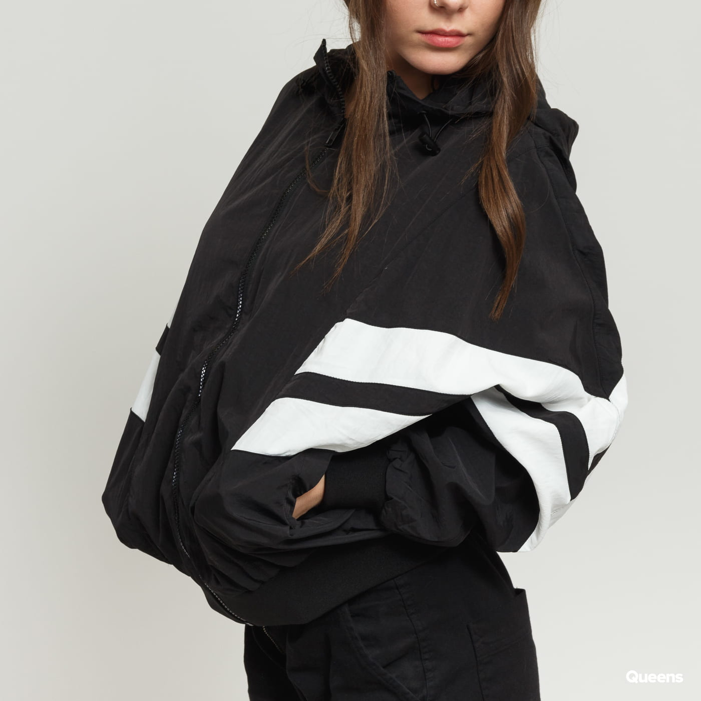Urban Classics Ladies Crinkle Batwing Jacket black / white