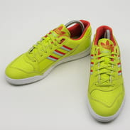 adidas Originals A.R. Trainer sesoye / lusred / vapgrn
