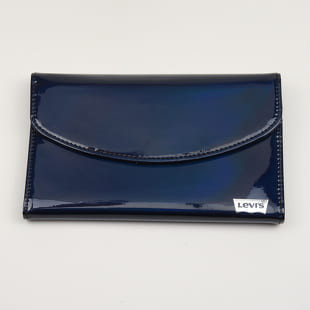 Levi's ® Valerie Multifunction Wallet