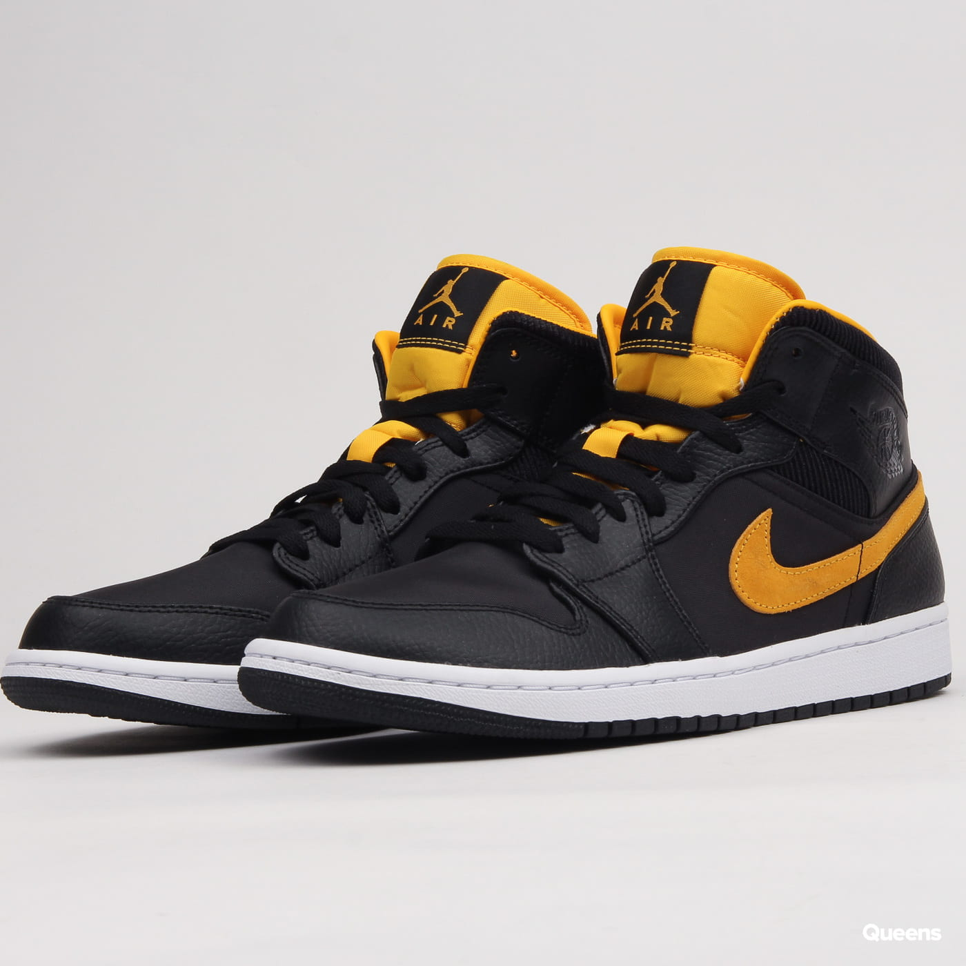 4f9c02bc32b Sneakers Jordan Air Jordan 1 Mid SE black / university gold - white  (CI9352-001) – Queens 💚