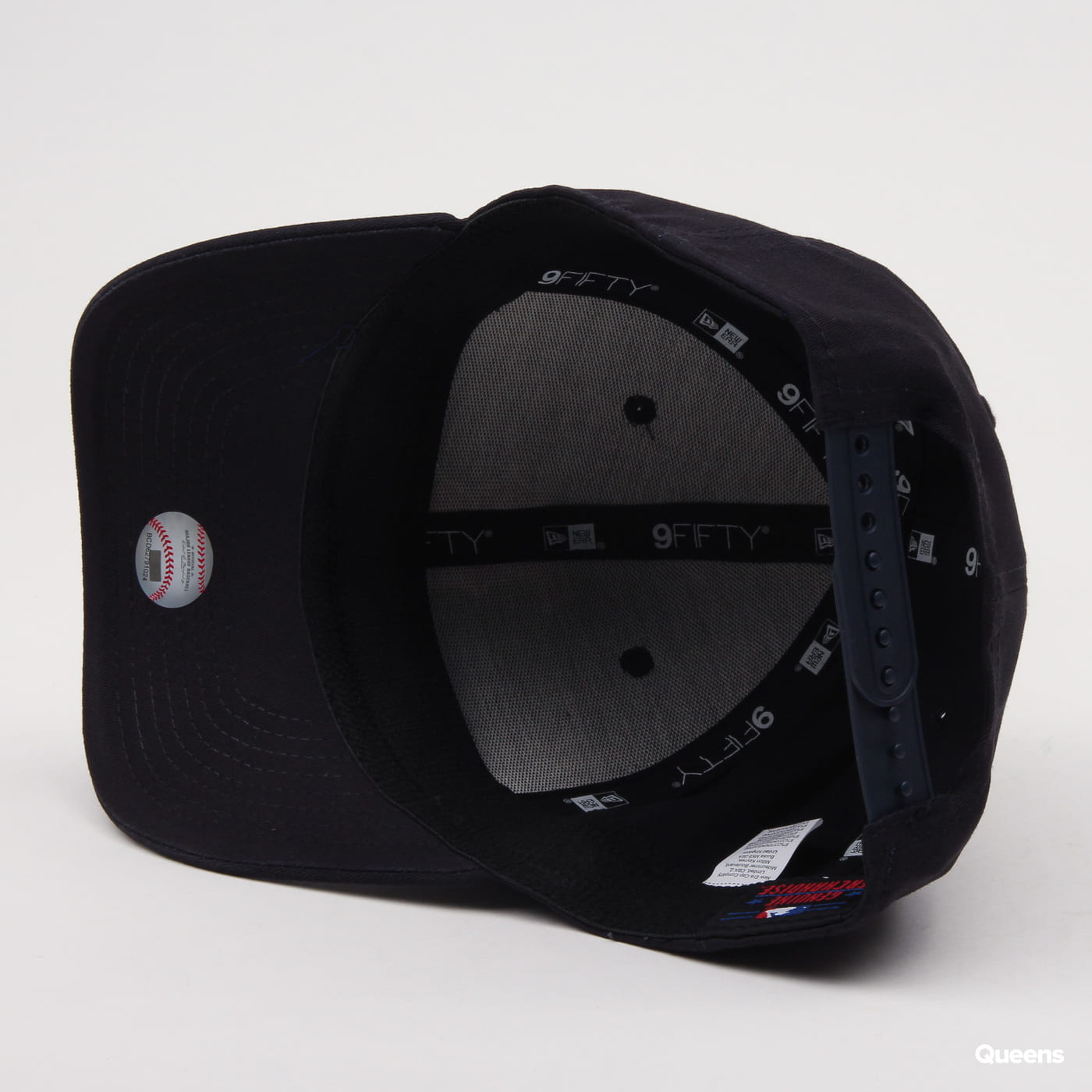 New Era 950 MLB Precurve Stretch Snap B nava
