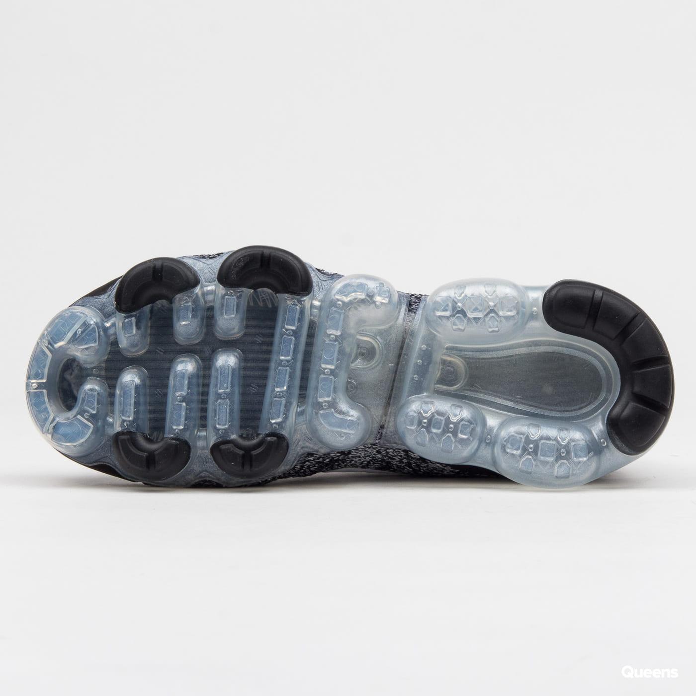 Nike W Air Vapormax Flyknit 3 black / white - metallic silver
