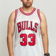 Mitchell & Ness NBA Swingman Jersey Chicago Bulls - Scottie Pippen #33 stříbrný