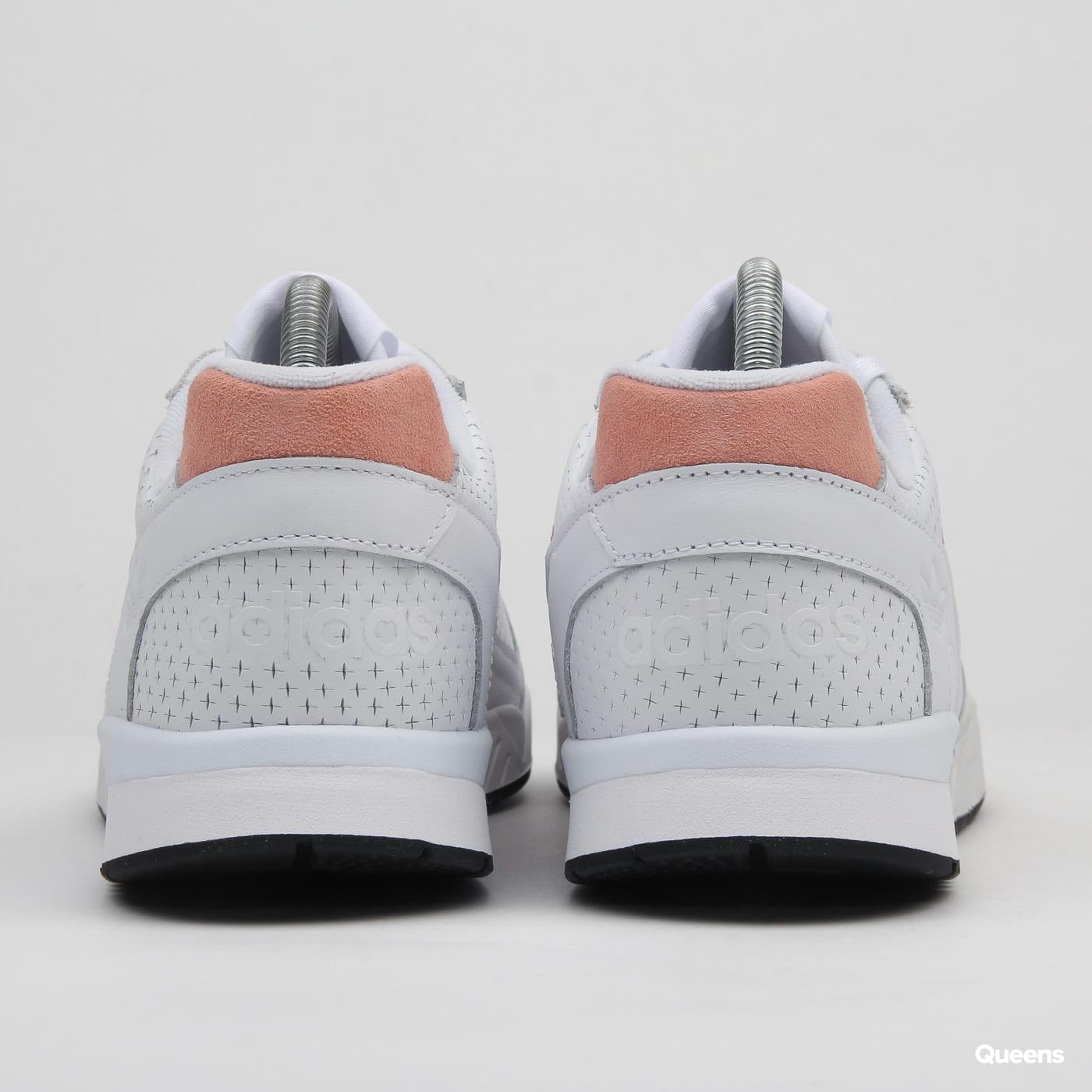 adidas Originals A.R. Trainer ftwwht / glopink / cblack