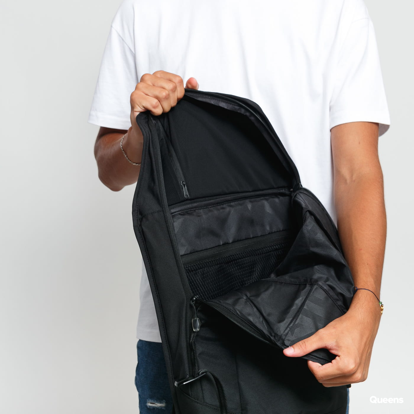 AEVOR Daypack čierny