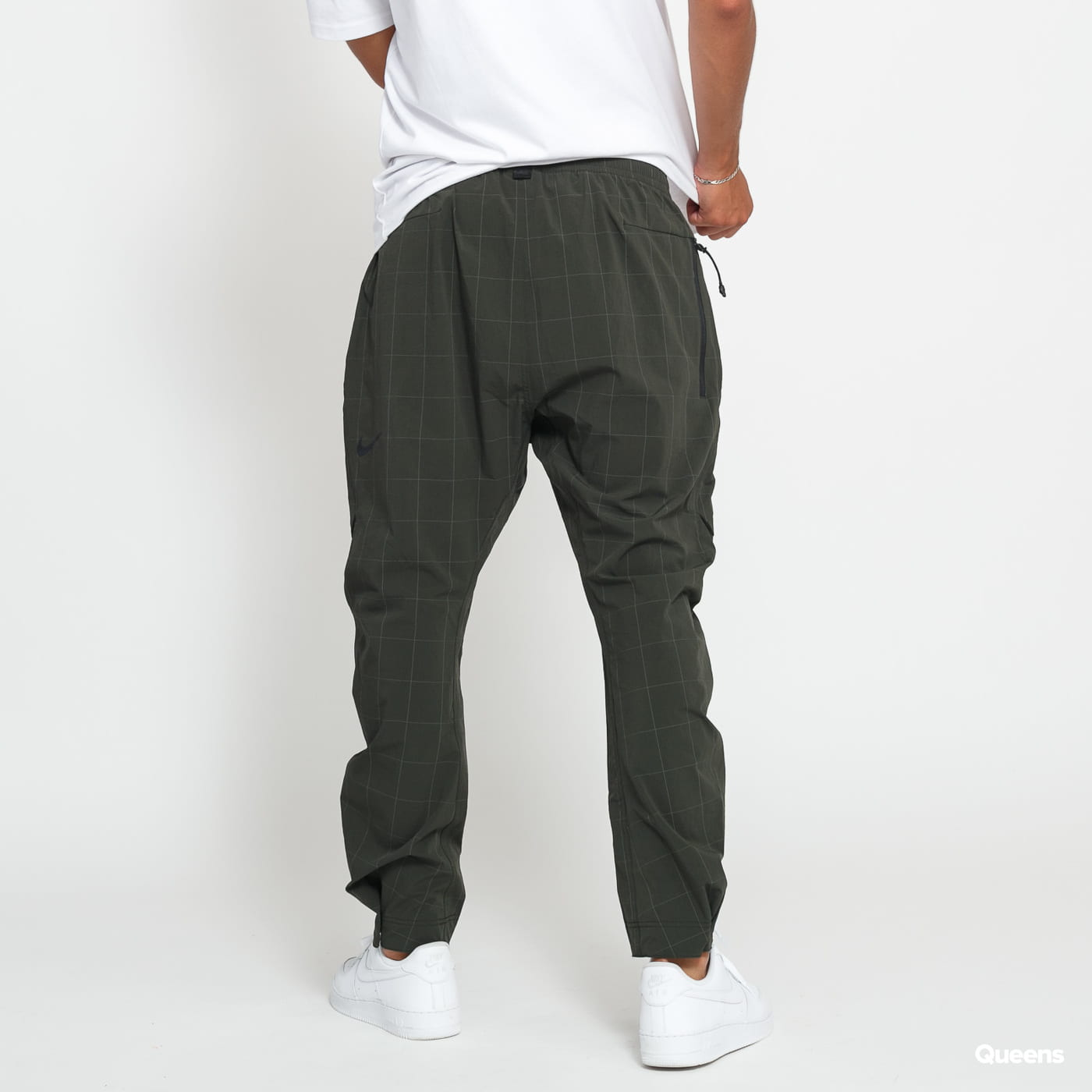 Nike M NSW Tech Pack Cargo Pant dunkeloliv
