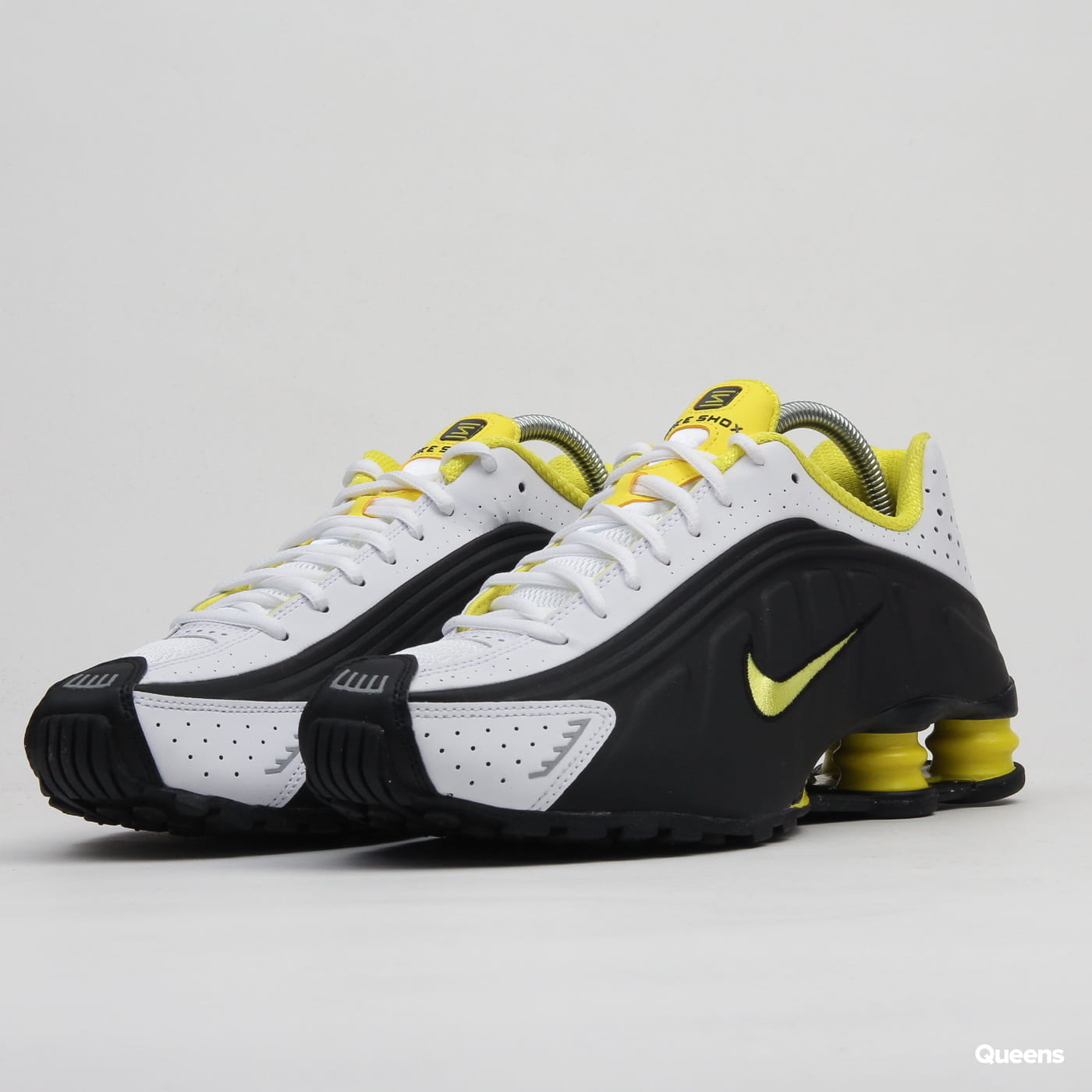 pretty nice 5f93f c0d68 Nike Shox R4 black / dynamic yellow - white