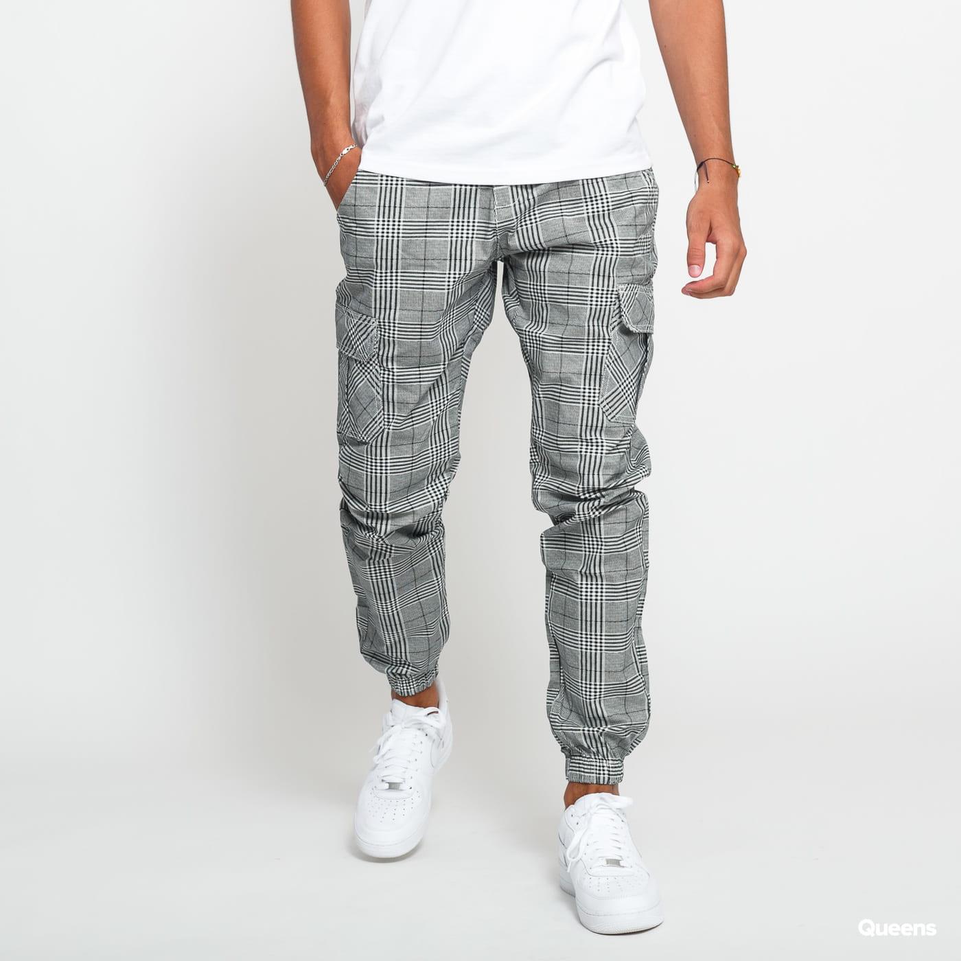 Urban Classics AOP Glencheck Cargo Jog Pants black / white