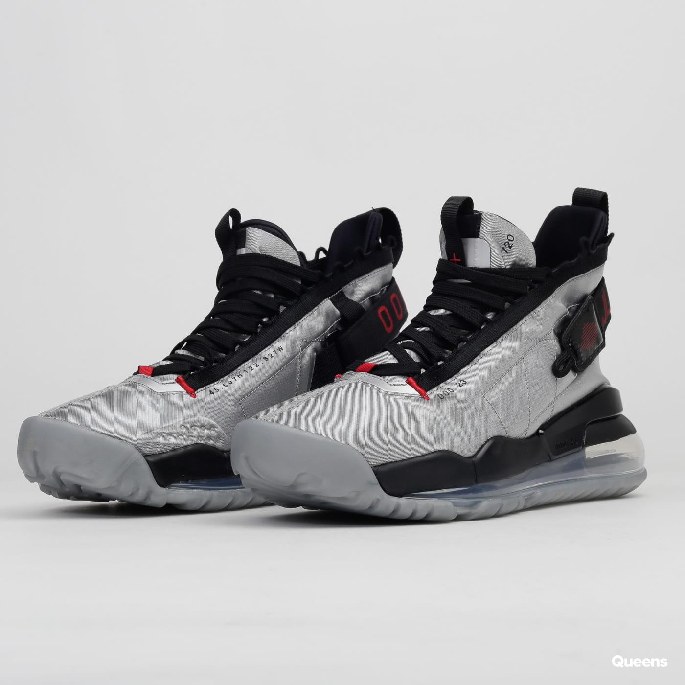 Sneakers Jordan Proto-Max 720 metallic silver / gym red - black