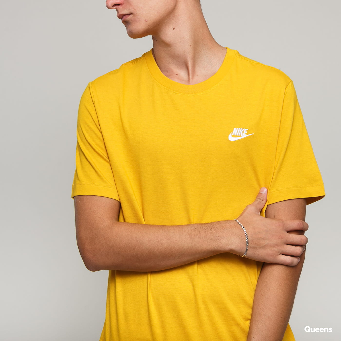 Nike M NSW Club Tee tmavožlté