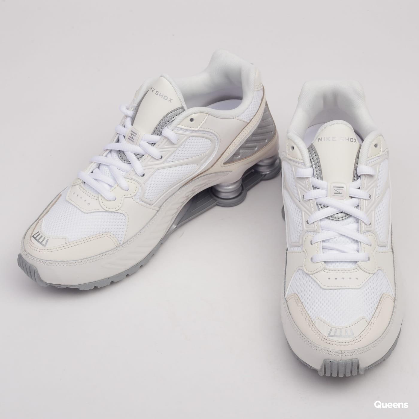 Nike W Shox Enigma phantom / metallic silver - white