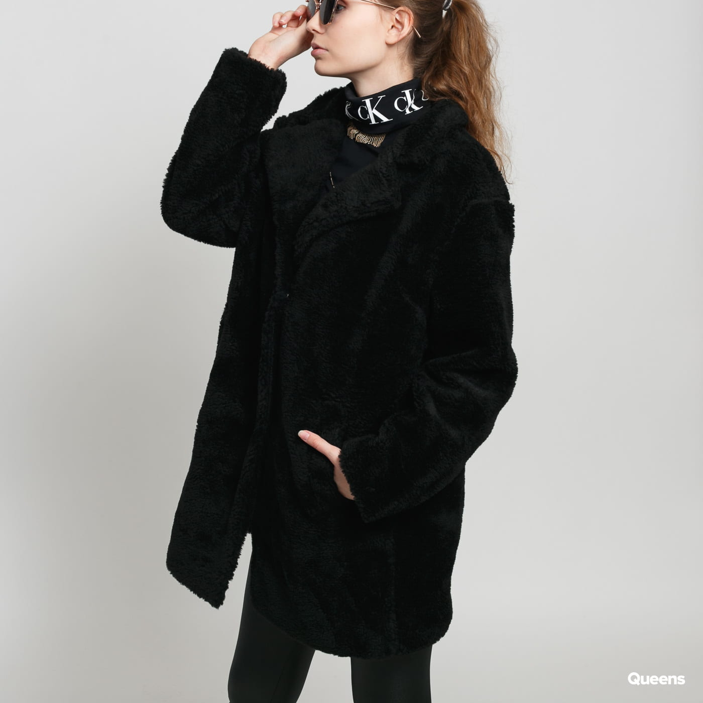 Urban Classics Ladies Oversized Sherpa Coat black