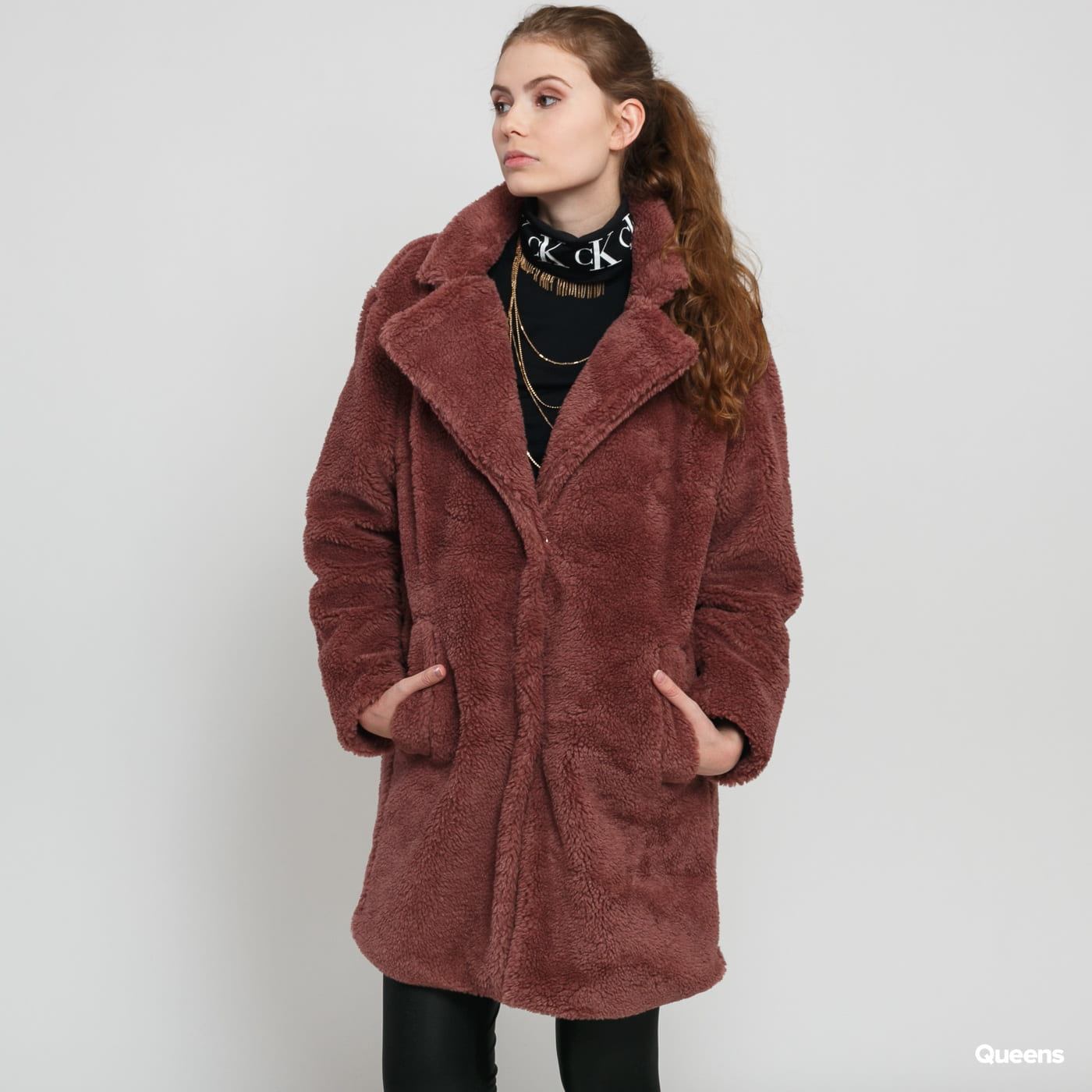 Urban Classics Ladies Oversized Sherpa Coat bordeaux