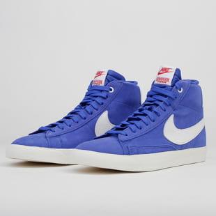 Nike Blazer Mid QS ST