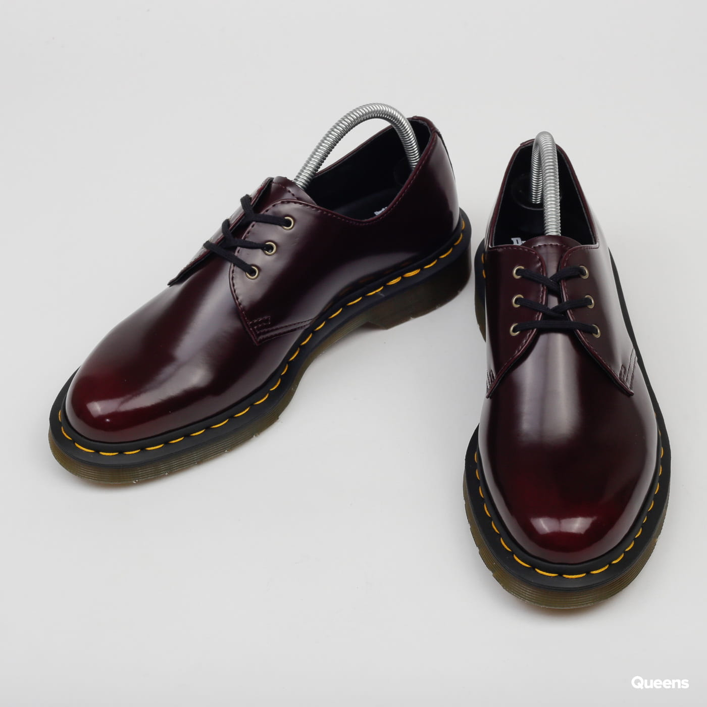 Dr. Martens Vegan 1461 cherry red oxford rub off