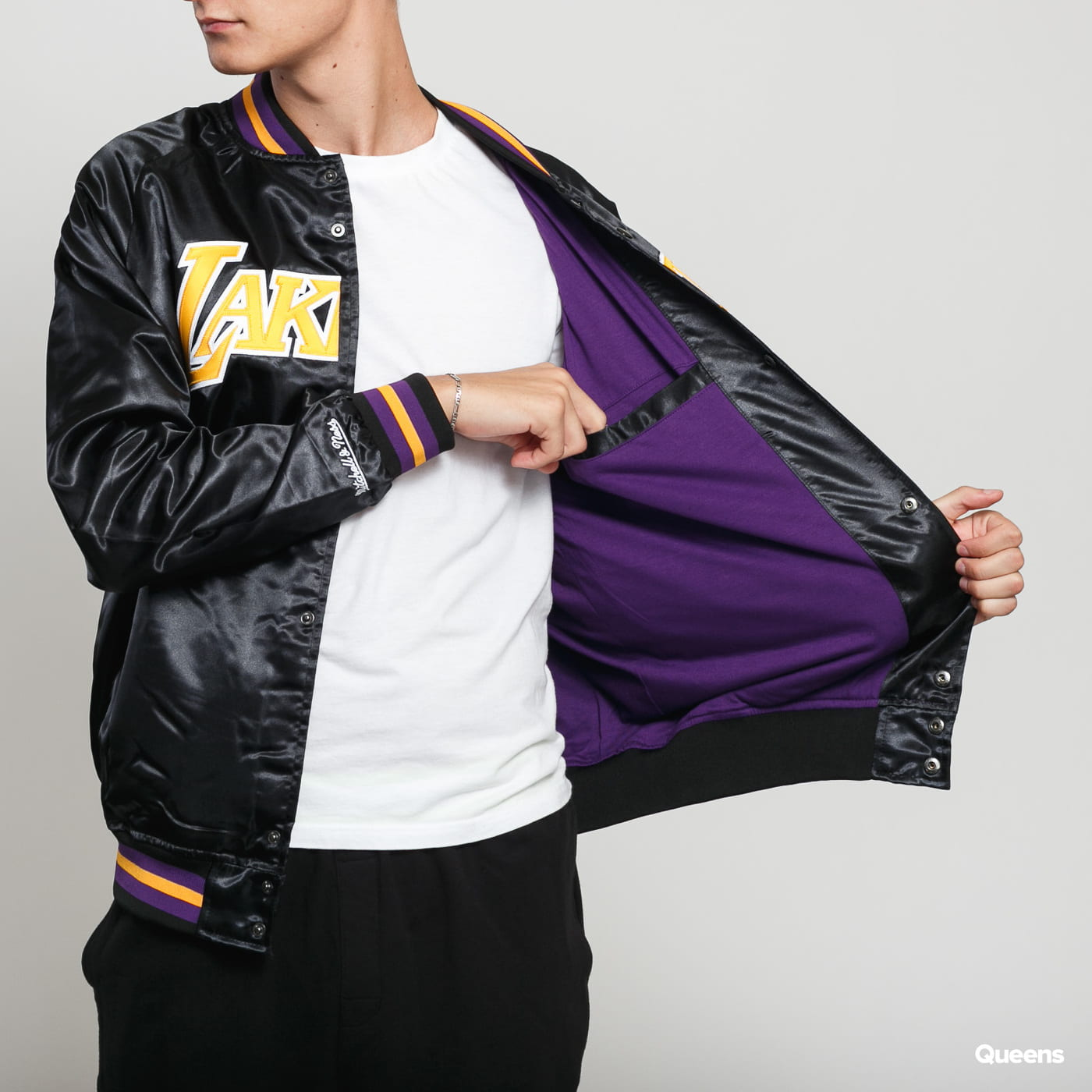 Mitchell & Ness NBA Lightweight Satin Jacket LA Lakers čierna
