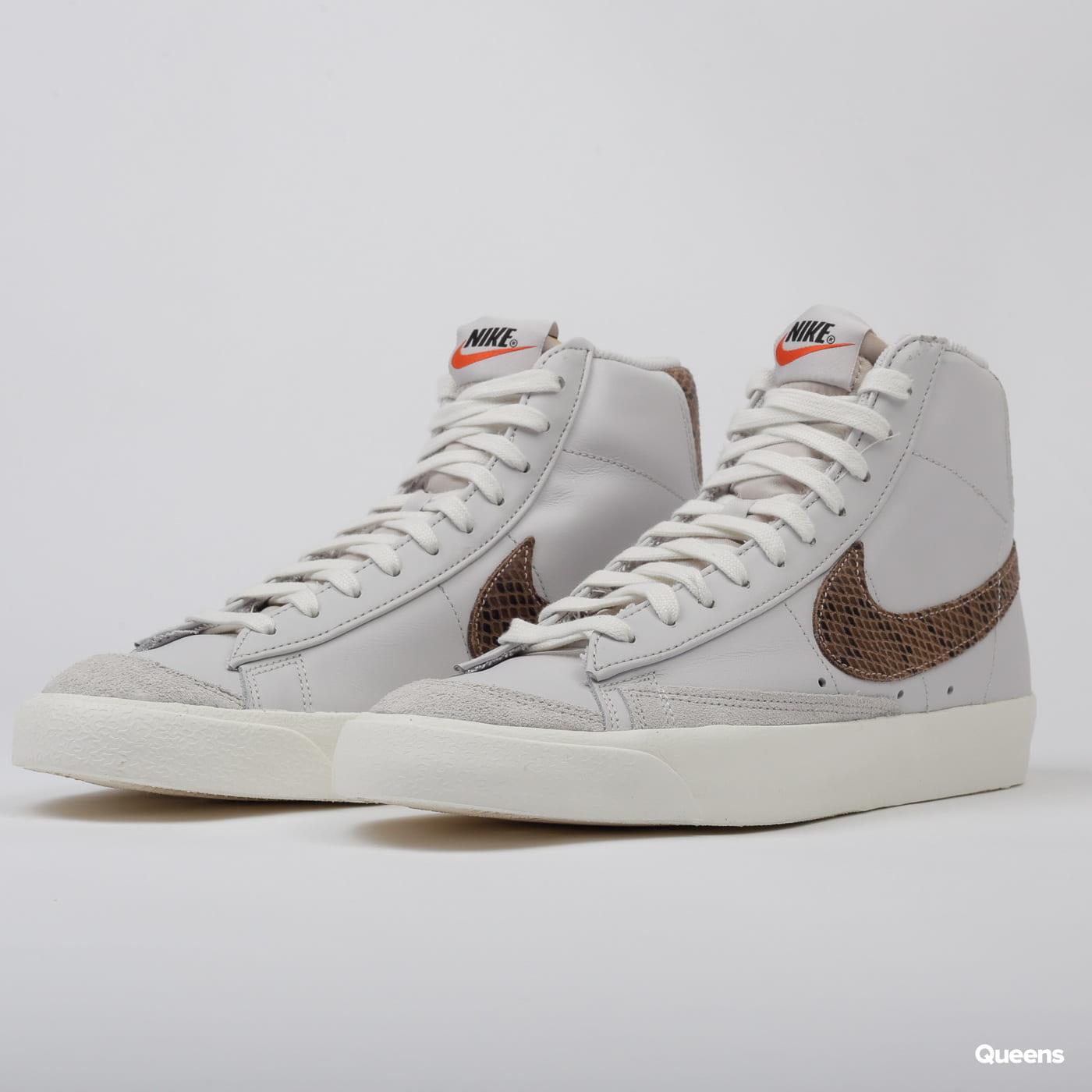 Sneakers Nike Blazer Mid '77 Vintage WE Reptile vast grey / mtlc ...